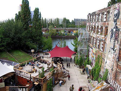 #Katerholzig #Kreuzberg #Berlin Club, Bar, Restaurant http://www.katerholzig.de/