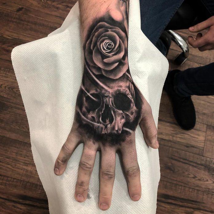 15+ Tatouage sur la main homme ideas