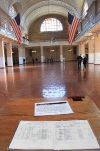 Sala do registo - Nomes dos imigrantes nas folhas, Ellis Island