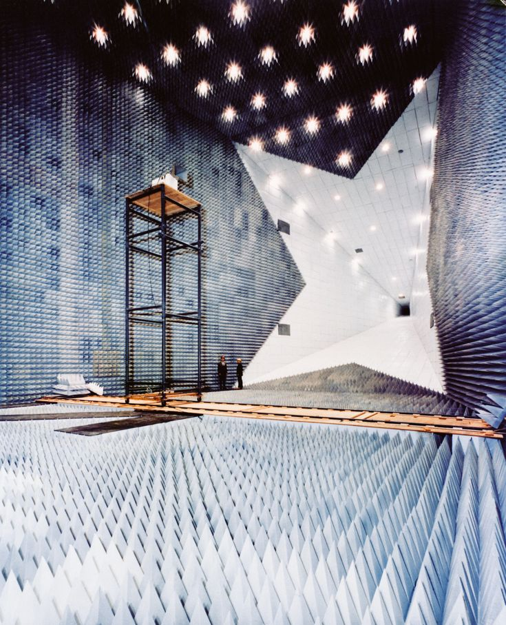 """loeilareaction: """"NASA's anechoic chamber for sound research """""""