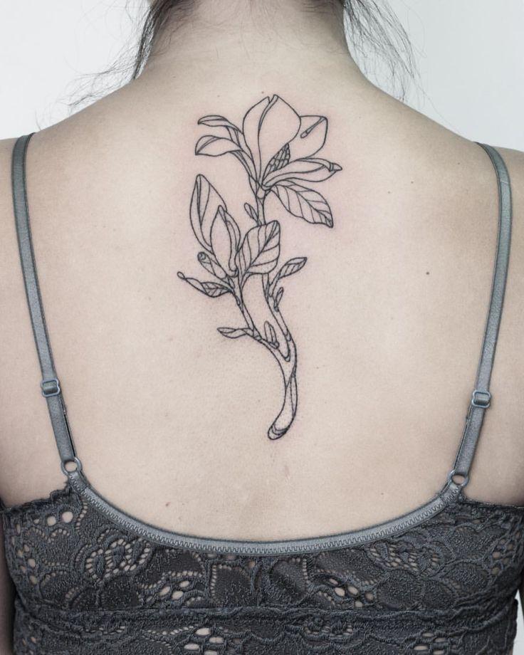 """549 Likes, 8 Comments - María León (@marialeontattoo) on Instagram: """"Magnolia para Jose, tercer tatuaje para la campaña Flores para el sur. Todos los fondos recaudados…"""""""