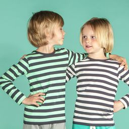 Graphic stripes! A classic shirt with trendy graphite combined with Mint Green or soft white.  Organic cotton.