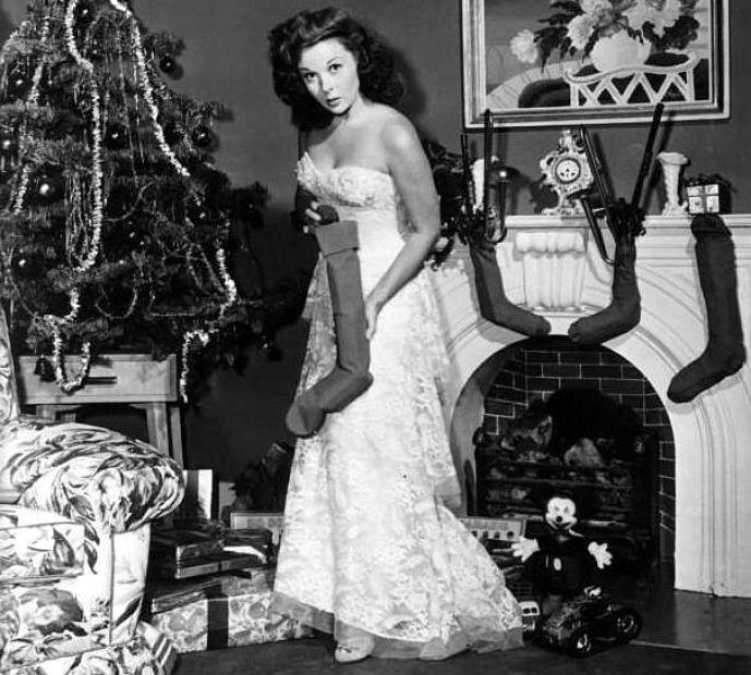 Susan Hayward - Christmastime 1950s: Vintage Christmas, Christmas Nostalgia, Hollywood Glam, Christmas Pin, Classic Hollywood, Susan Hayward, Christmas Vintage, Christmas Trees, Merry Christmas