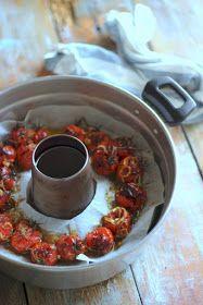 Oggi vi propongo una ricetta salata, troppo buona per non condividerla!   Non amo i pomodori, specie in inverno...