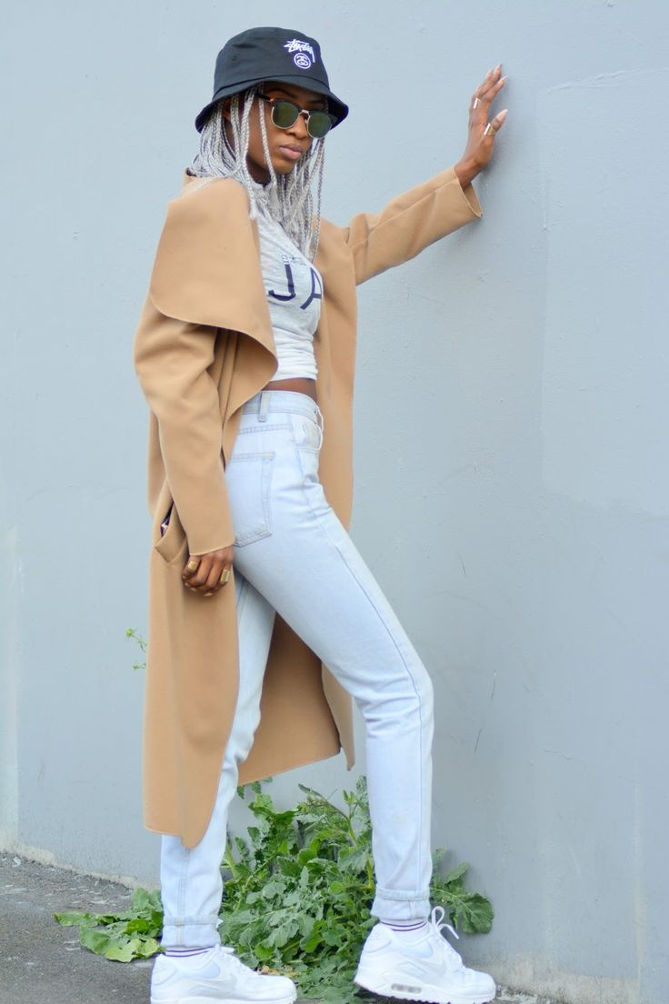 fashion | street style | 90's inspired outfit | black girl stylin' | silver hair | grey hair | silver box braids
