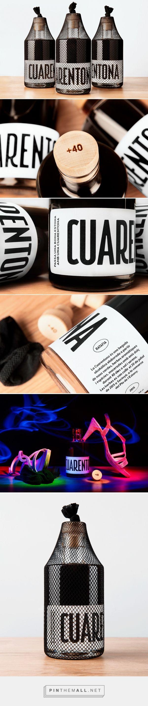 Cuarentona (Fortyish) alcoholic beverage packaging designed by Enserio (Spain) - http://www.packagingoftheworld.com/2016/04/cuarentona-fortyish.html