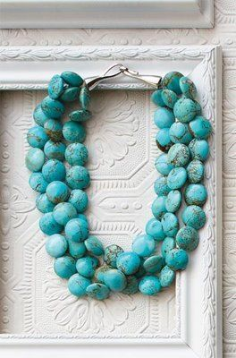 Chunky turquoise necklace with white in the summertime