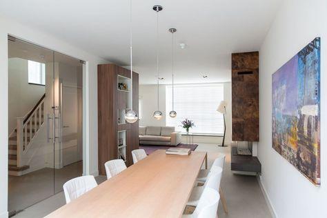 Het totaal renoveren van de jaren 40 - 50 woning tot een zeer aangenaam huis wat van alle gemakken is voorzien en waarbij enkele bijzondere elementen zoals een welness ruimte en garage zijn