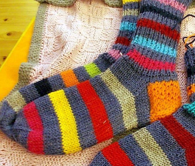 Lisää sukkia :) / More woollen socks