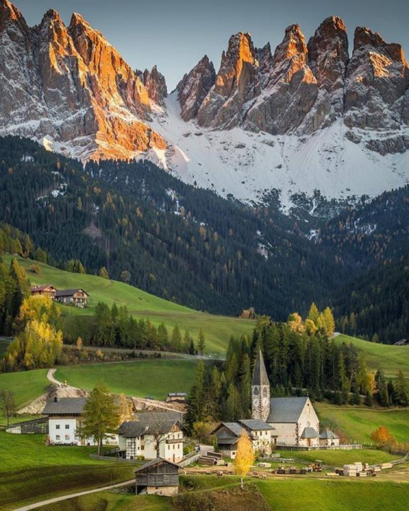 Comparateur de voyages http://www.hotels-live.com : Val di Funes South Tyrol Italy. Photo - @stefanotermanini. #OurLonelyPlanet #Italy #Europe Hotels-live.com via https://www.instagram.com/p/_6Z-atxtMy/ #Flickr via Hotels-live.com https://www.facebook.com/125048940862168/photos/a.968443263189394.1073741884.125048940862168/1077112932322426/?type=3 #Tumblr #Hotels-live.com