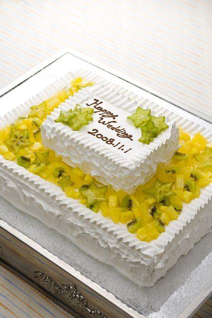 ホテルニューイタヤ|結婚式場写真「スターフルーツのケーキは見た目もかわいらしい♪」 【みんなのウェディング】