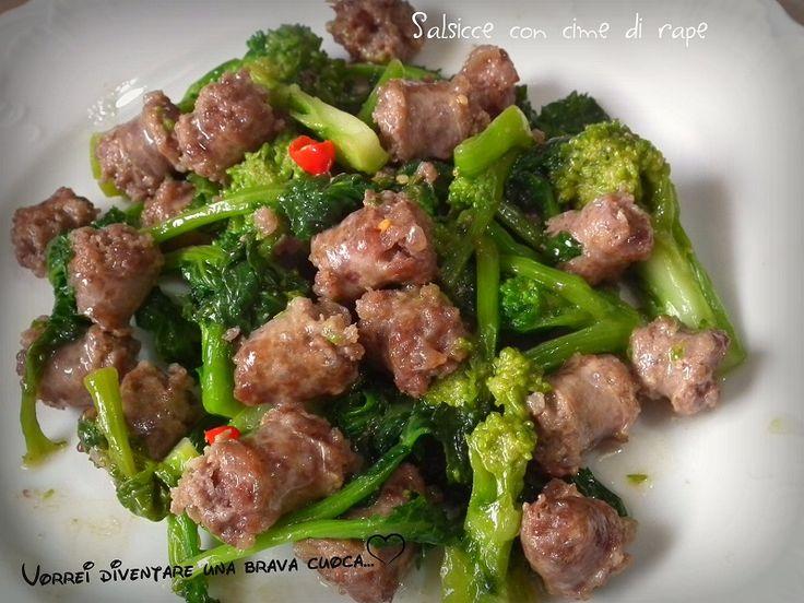Oggi voglio proporre una ricetta facilissima, un secondo piatto molto succulento e veloce da preparare: salsicce con cime di rape!