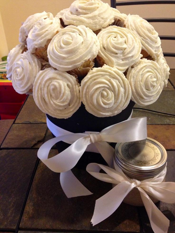 Vanilla cupcake flower arrangement, perfect for a diy gift ...