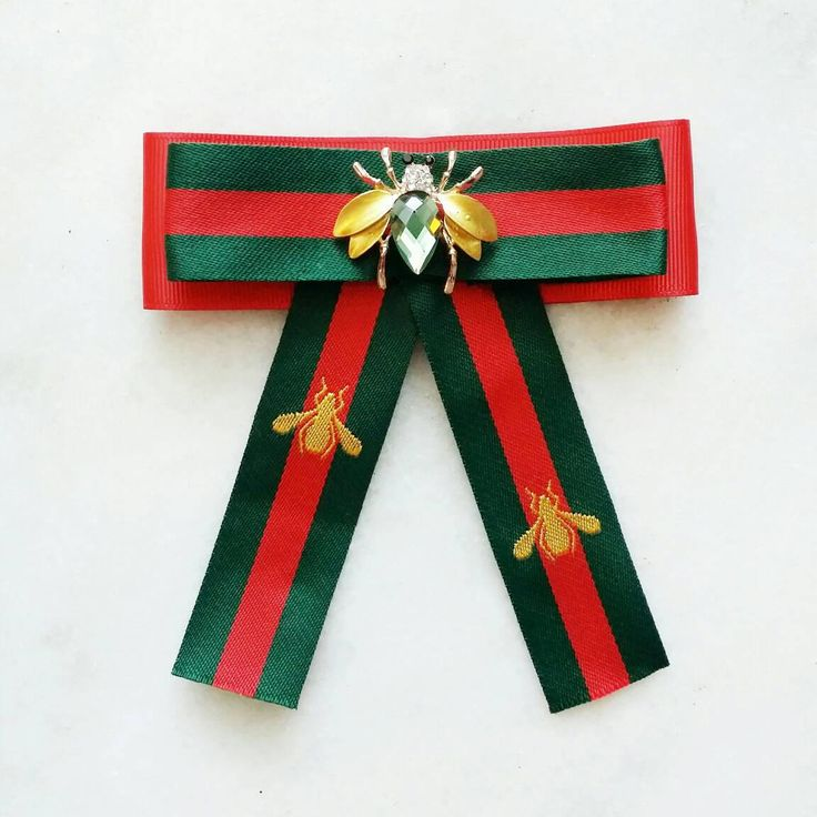 Absolutely adorable luxurious Gucci inspired green and red striped brooch with a golden and green crystal bee embellishment. I created it to give any outfit a boost - wear it with a white crisp shirt, turtlenecks, jackets etc. Length 13cm width 13cm, bee 3.5 cm. Comes in a lovely gift box