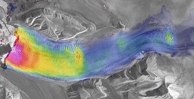 2013 Academic award: 'Fractured river of ice', Adrian Luckman, Department of Geography, Swansea Uni)