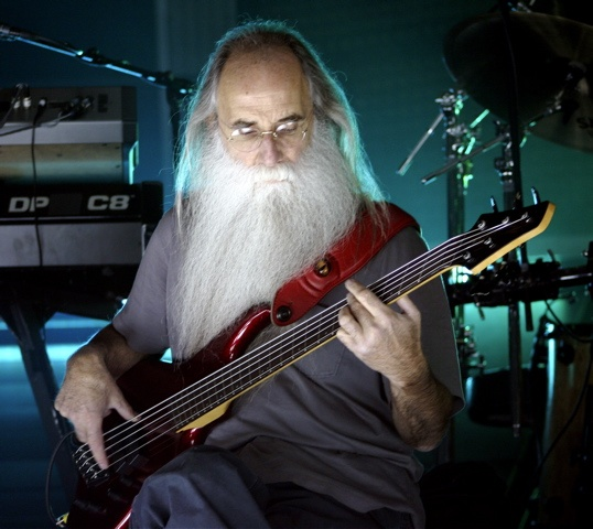 One of my favourite bass players. It was an honour to watch him on stage with Toto in 2007! Lee Sklar rules!!!