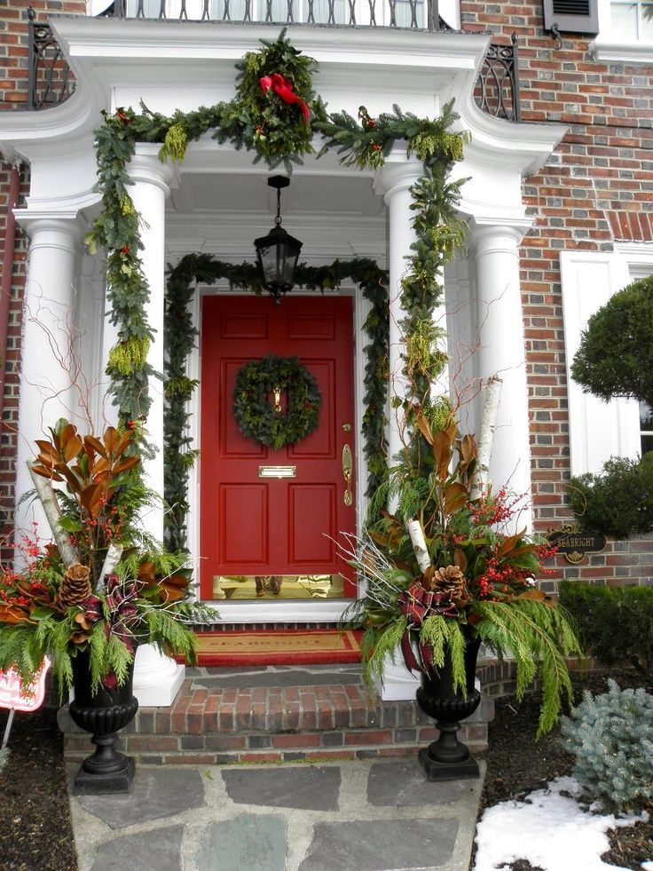 A Whole Bunch Of Christmas Entry and Porch Ideas - Christmas Decorating -: