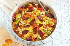 Kijk wat een lekker recept ik heb gevonden op Allerhande! Gele rijst met salami en puntpaprika