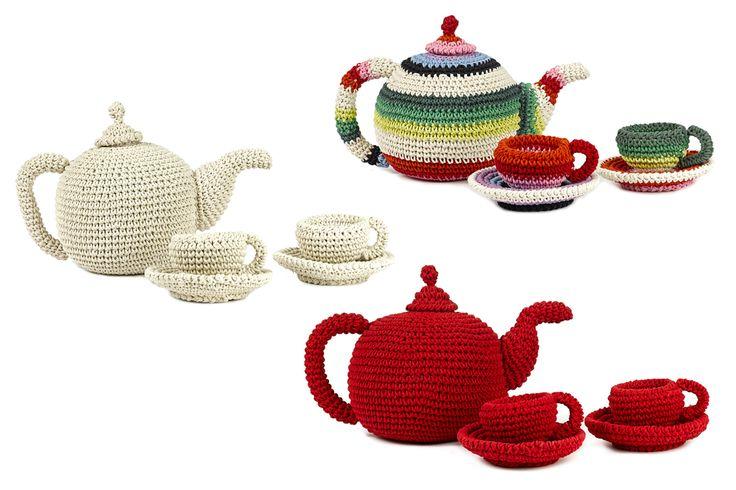 wonderful tea set colors nature 025 flowersartnr 305-010 red 040 dotsmaterial organic cotton hand crochetsize 12 x 23 cm (teapot)extra set = 1 teapot with 2 cups machine washable