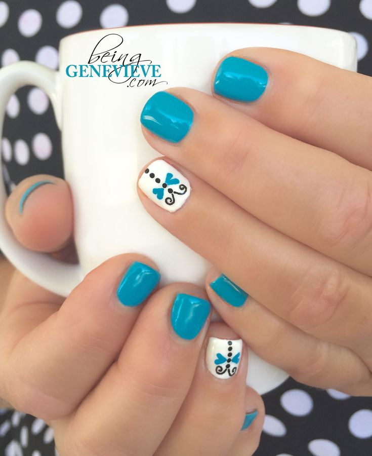 Dainty Dragonfly | Step-by-step tutorial on how to create this dainty dragonfly nail art design. This is the perfect manicure for any summer nail design. . .Dragonfly