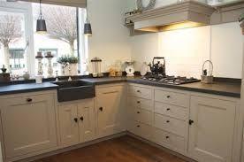 keuken spoelbak bij het raam - Google zoeken