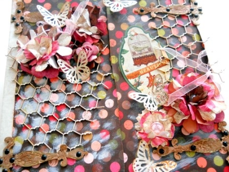 Precious Moments - altered pizza box with Bobunny and Enmarc  chippes