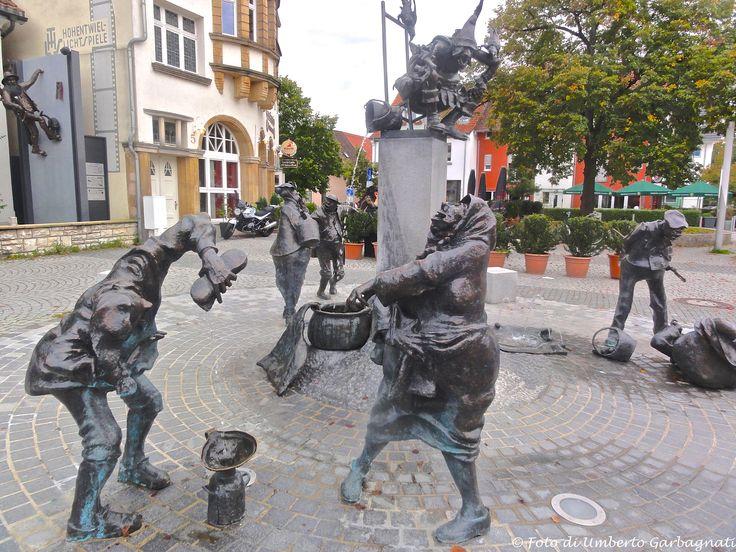 ... grande fontana con personaggi scherzosi ... Singen (D) - 19/09/2014    - © Umberto Garbagnati -