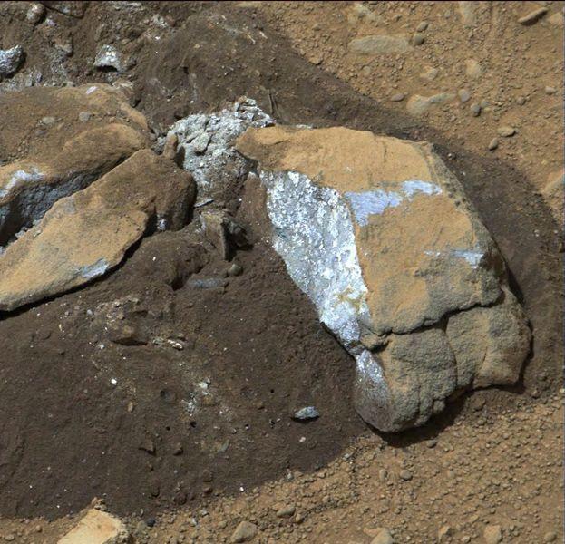 Curiosity-Bluish Color in Broken Rock in 'Yellowknife Bay'