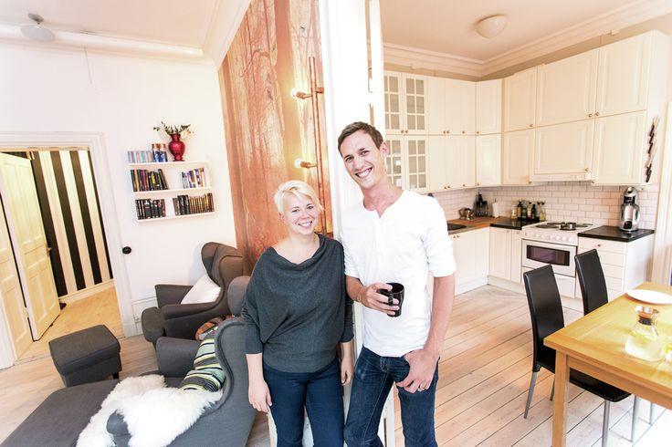 Bomarknaden går på högvarv i Stockholm. En del bostäder säljs redan innan de lagts ut på nätet. Paret Gylletorn har hittat sin drömlägenhet och pratet om bobubbla skrämmer dem inte.
