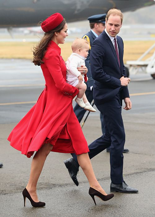 Prince William, Kate Middleton and Prince George arrive in New Zealand for tour