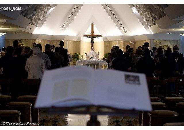 Homilía del Papa: el cristiano sirve inmediatamente y con alegría - Radio Vaticano