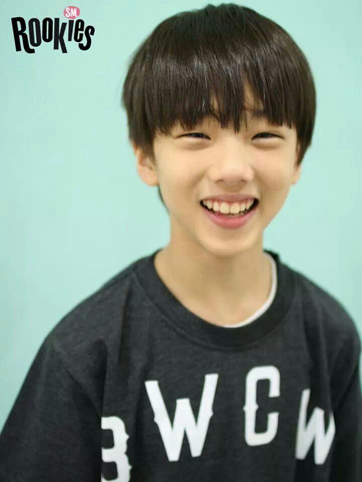 Jisung sm rookies. So young