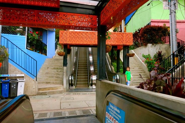 Las escaleras in Comuna 13 have facilitated life on many inhabitants of the neighbourhood. Innovation Projects like these forster inclusion in the City of Medellín. #Innovation #inlcusion #Medellín #comuna13 #escaleras #escalator #development #colombia #travelandmakeadifference
