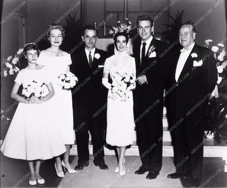 news photo Robert Wagner Natalie Wood wedding 1919-33