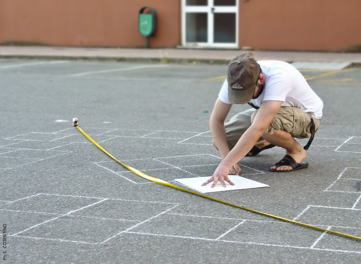 Giovanni Longo, Square hopscotch / installation site specific, 2011, University of Calabria.. + https://www.facebook.com/giovannilongo.art