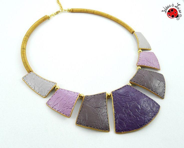 Collier plastron violet et doré faux cuir personnalisable : Collier par ideesalise