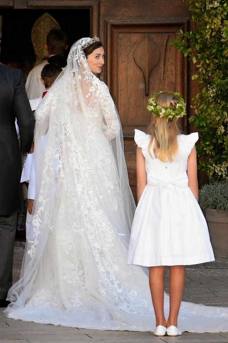 194 best Bruidsjaponnen images on Pinterest | Royal weddings, Royal ...