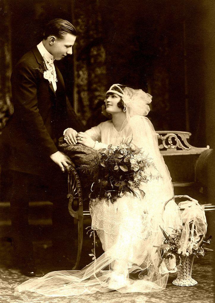 https://flic.kr/p/cBxYJ   Wedding Photo ca 1920   Mr. & Mrs Frank Zielinski, Chicago, Illinois