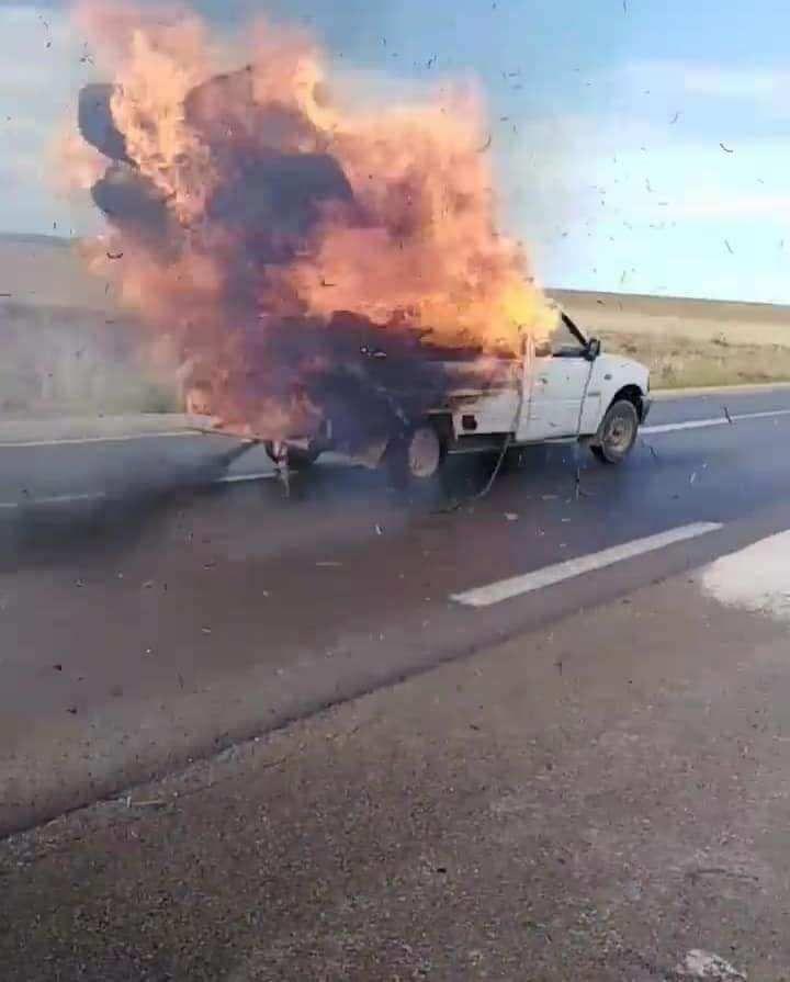 الكاف حريق في شاحنة تحمل التبن التفاصيل صور Vehicles