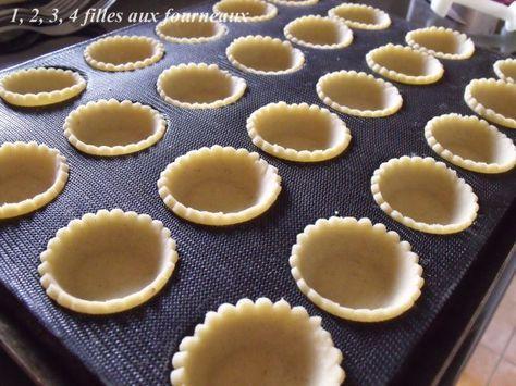 1374 best gateaux images on pinterest biscuit kitchens and arabic food. Black Bedroom Furniture Sets. Home Design Ideas