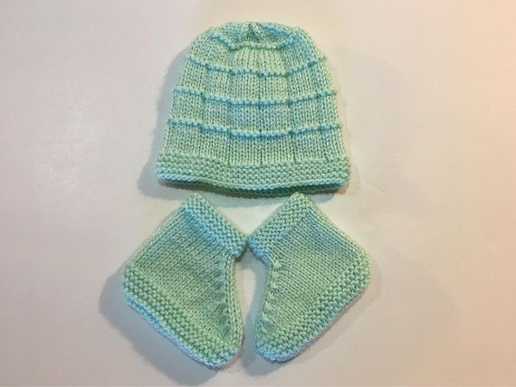0254c6dd3f2 Hand Knitted newborn hat and booties Crochet