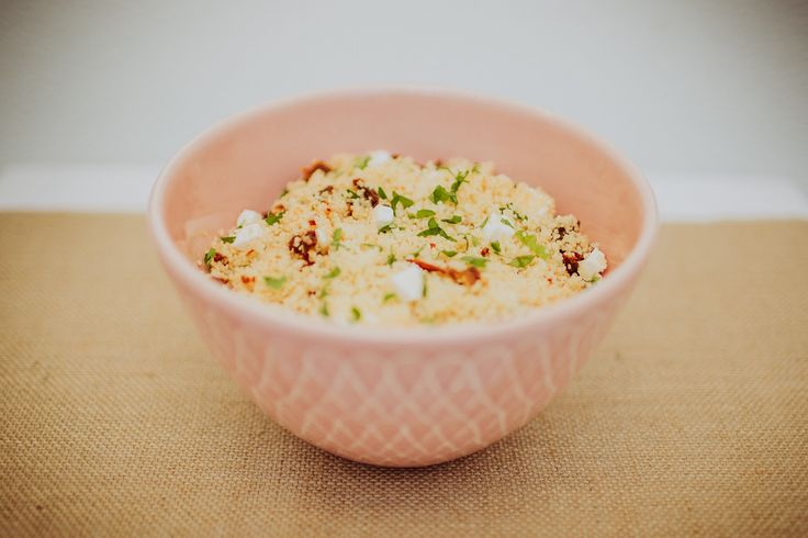O couscous é um prato originário do norte de África, produzido ...