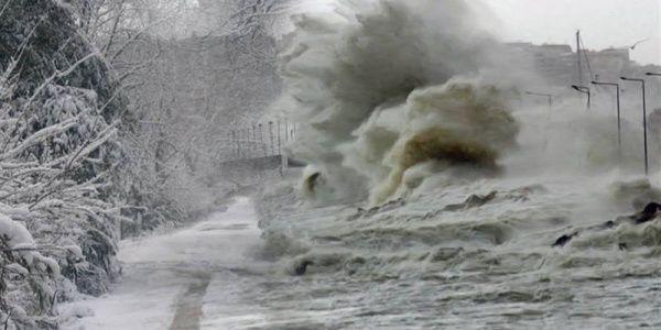 Σφοδρό κύμα κακοκαιρίας πλήττει τη χώρα - Μετά τις καταιγίδες έρχεται ραγδαία πτώση θερμοκρασίας και χιόνια μέχρι και στην Αττική