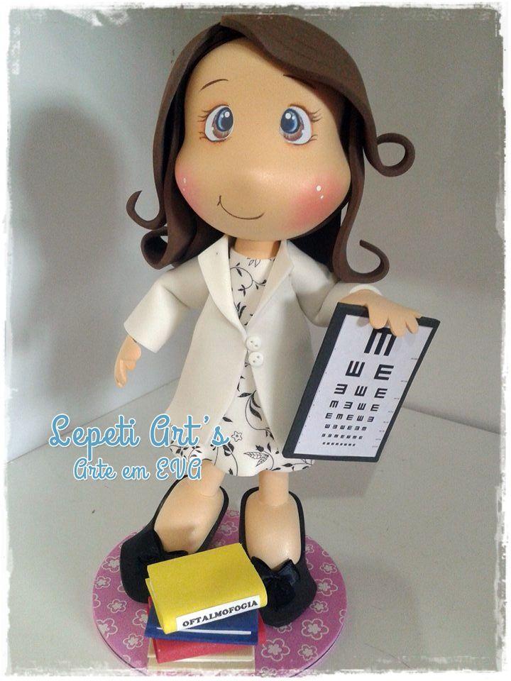Boneca Oftalmologista em EVA