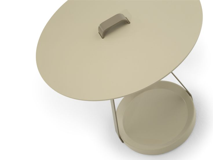 | ZOE - Designed by: Discoh | Occasional table comprising circular top and base in lacquered MDF and lacquered metal structure.