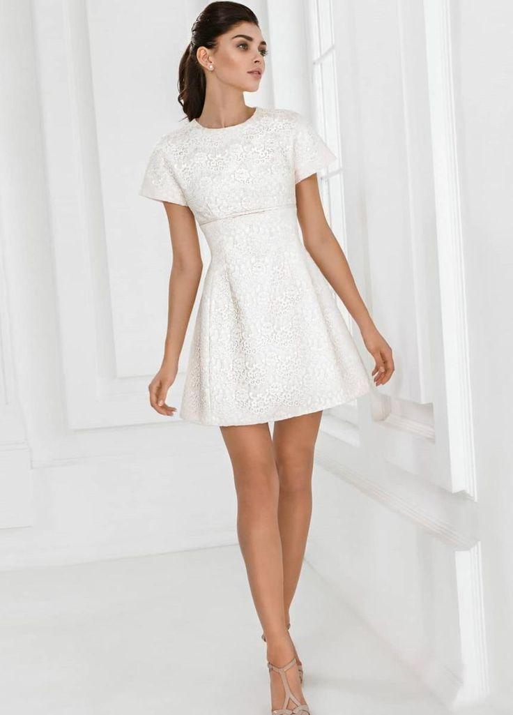 nice Красивое белое короткое платье (50 фото) — Лучшие идеи нежных образов Читай больше http://avrorra.com/beloe-korotkoe-plate-foto/