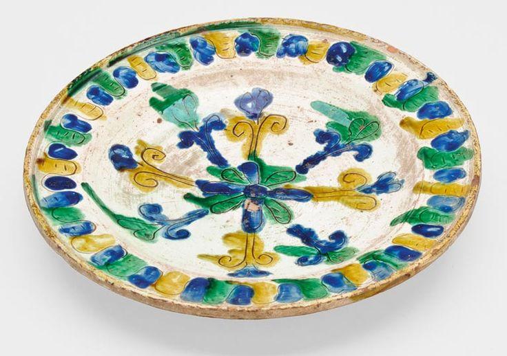 Plate from Beszterce (Bistritz, Bistrita), Transylvania, Kingdom of Hungary, 18th century. Glazed ceramic, sgraffito decoration, 26 cm. Nagyhazi Auction.