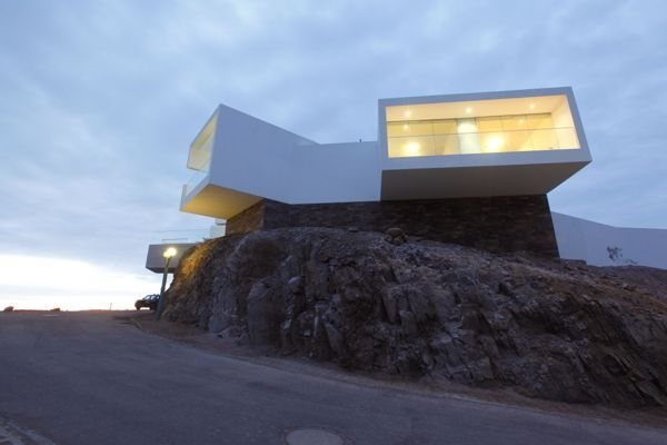 Lomas i5 beach house on Architecture Served