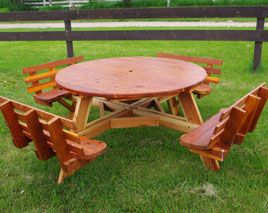 Relaxing round picnic table