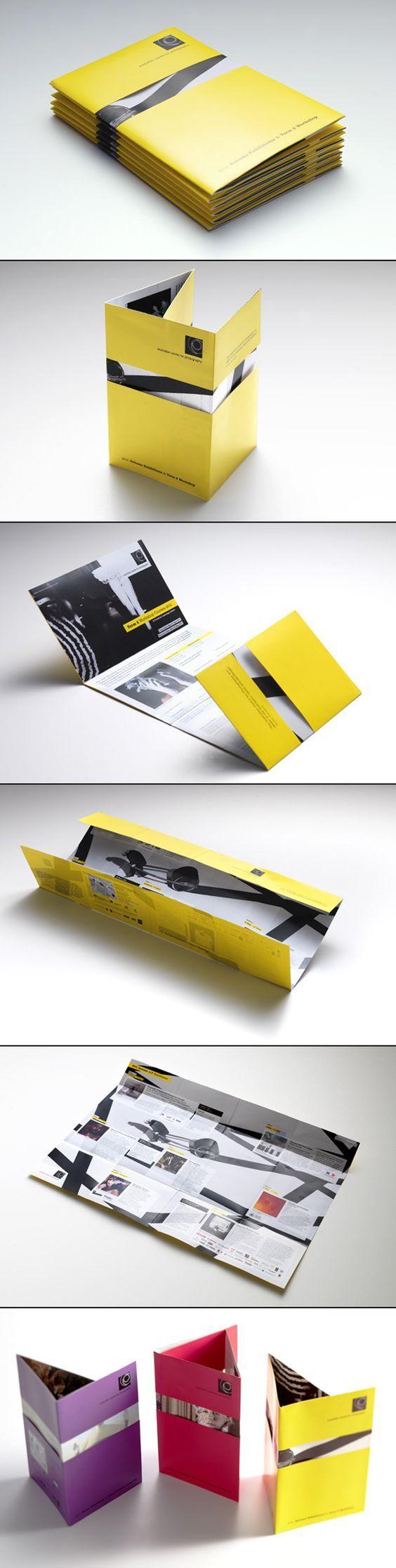 Relevância 2 - possível cartilha mapa, dobrável Australian Centre for Photography Brochure | Design by Messy: